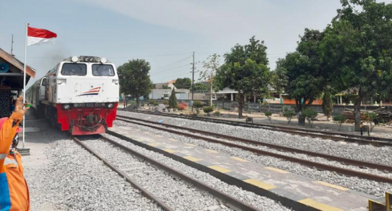 Jalur Ganda Lintas Babadan-Geneng Jawa Timur Telah Beroperasi