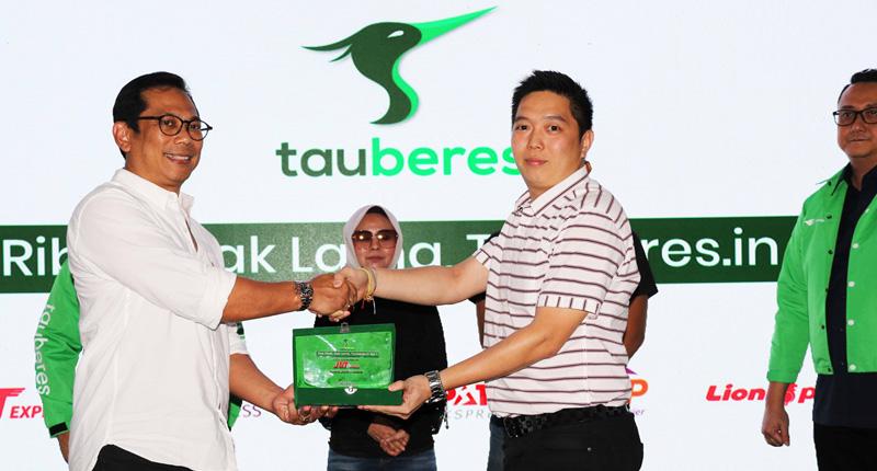 J&T Express Gandeng Aplikasi Tauberes