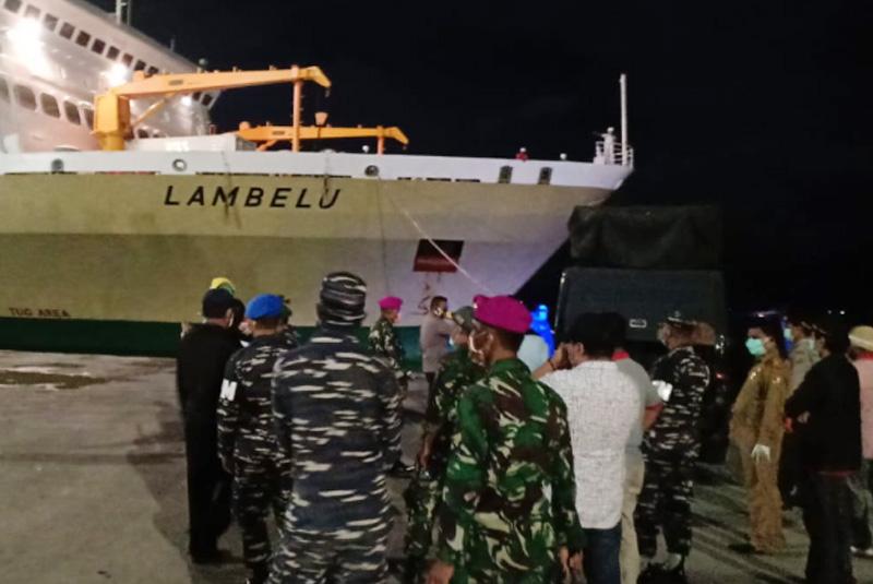 Kapal KM Lambelu Diizinkan Berlabuh Di Maumere, Protokol Kesehatan Covid-19 Diterapkan