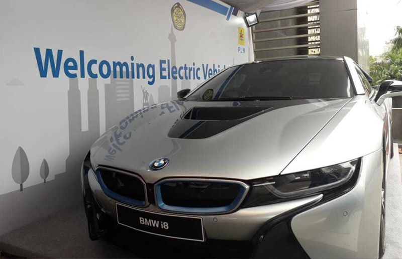 Keren, BMW i8 Hybrid Hadir IBEA 2018