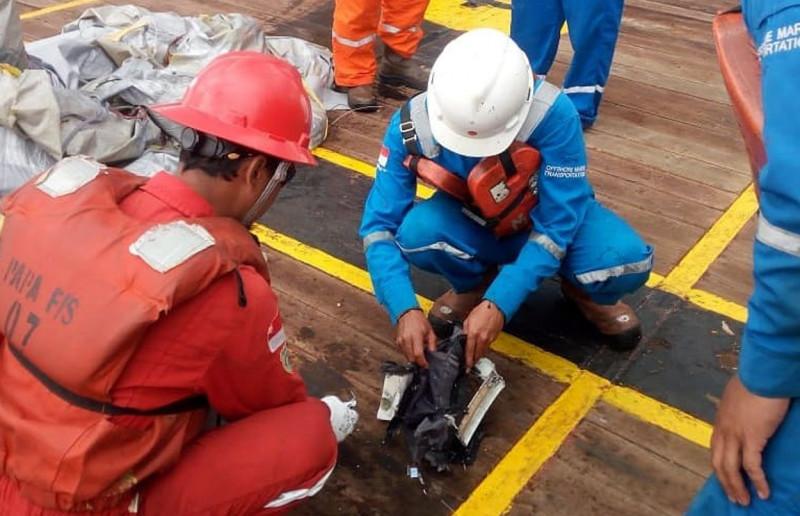 Serpihan Pesawat Lion Air Ditemukan, Korban Belum Terlihat